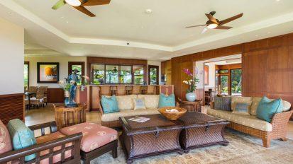 Stylish Island-Style Interior Design